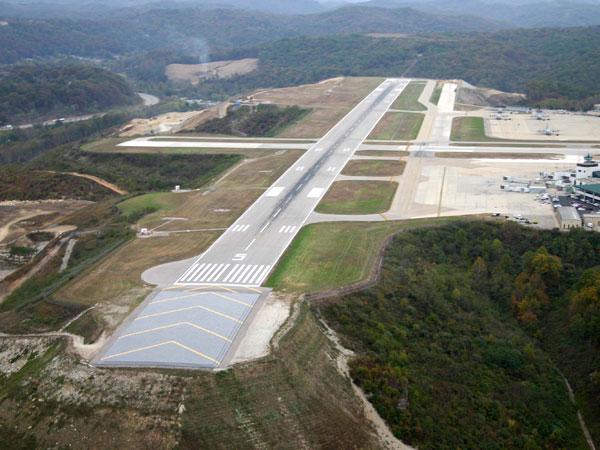 54cb424b1c554_-_emas-runway-tech-01-0714-de