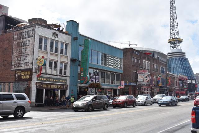 Downtown Nashville has interesting shops and boutiques to explore for unique clothing and merchandise
